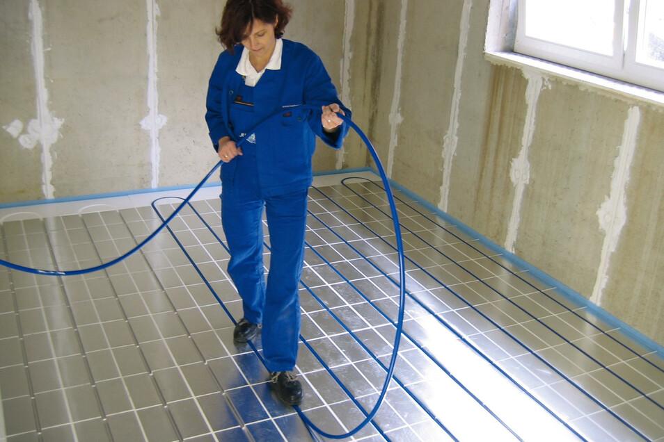 Fußbodenheizungen sind zu träge, um von einem kurzfristigen Anpassen der Temperatur zu profitieren.