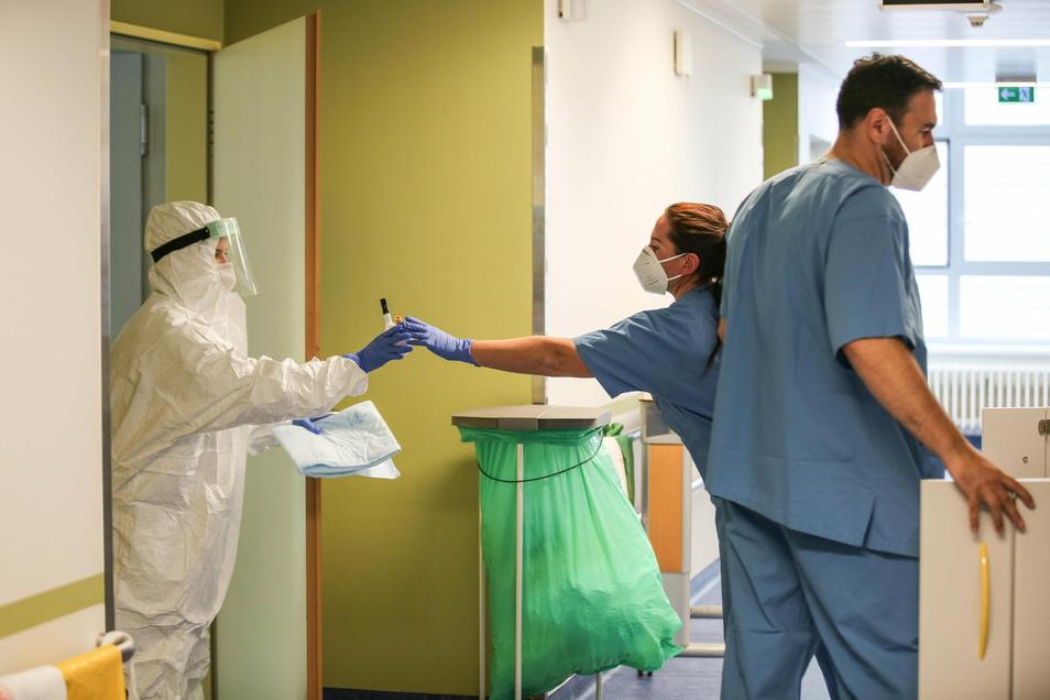 Im Görlitzer Klinikum und auch in den anderen Krankenhäusern des Kreises sind inzwischen alle Corona-Intensivbetten belegt.