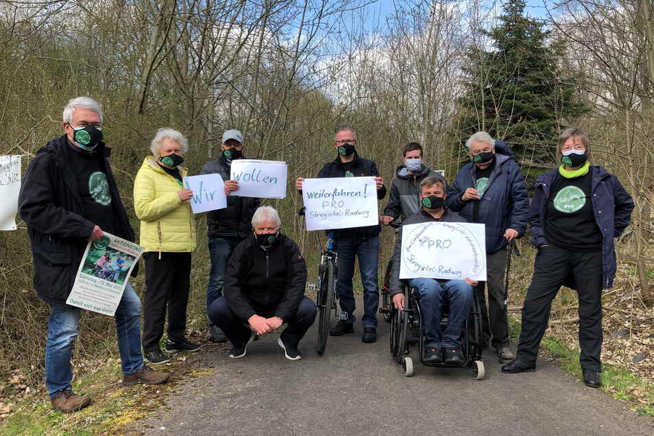"""Seit zehn Jahren gibt es die Initiative """"Pro Striegistalradweg"""". Nach ihren Möglichkeiten versuchen die Männer und Frauen, das Projekt voranzubringen."""