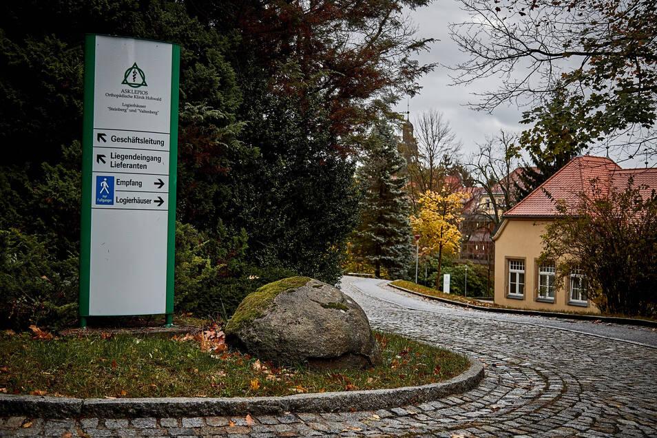 Wieder ein Stück in Richtung Normalität. Die Asklepios-Kliniken in Hohwald und Sebnitz können wieder Besuche bei Patienten erlauben.