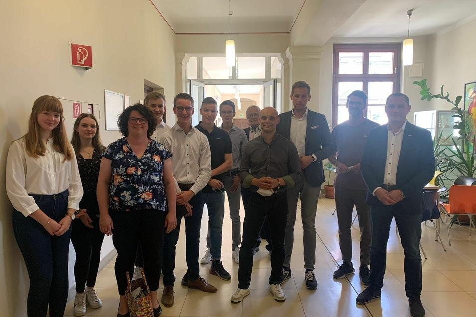 Bei der Gesprächsrunde von Schülern mit den sechs aussichtsreichsten Direktkandidaten aus dem Wahlkreis Görlitz entstand dieses Foto - als Vorbereitung zur Juniorwahl.