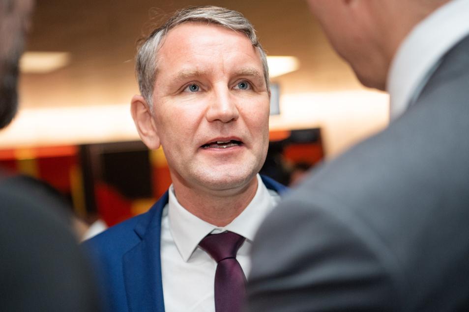 Der Berliner Unternehmer pendete den Betrag direkt an den AfD-Landesverband Thüringen, dessen Vorsitzender Björn Höcke ist.