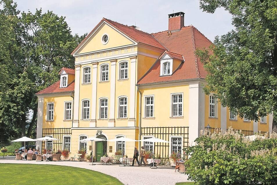 Sommer auf Schloss Lomnitz.