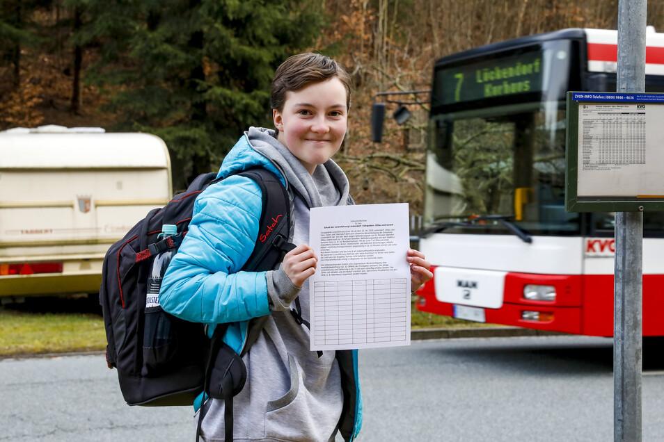 Nach derzeitigen Plänen des Landkreises soll die Heimfahrt von der Schule für die 13-jährige Nina aus Lückendorf fast eine Stunde dauern. Dagegen protestiert jetzt ganz Oybin.