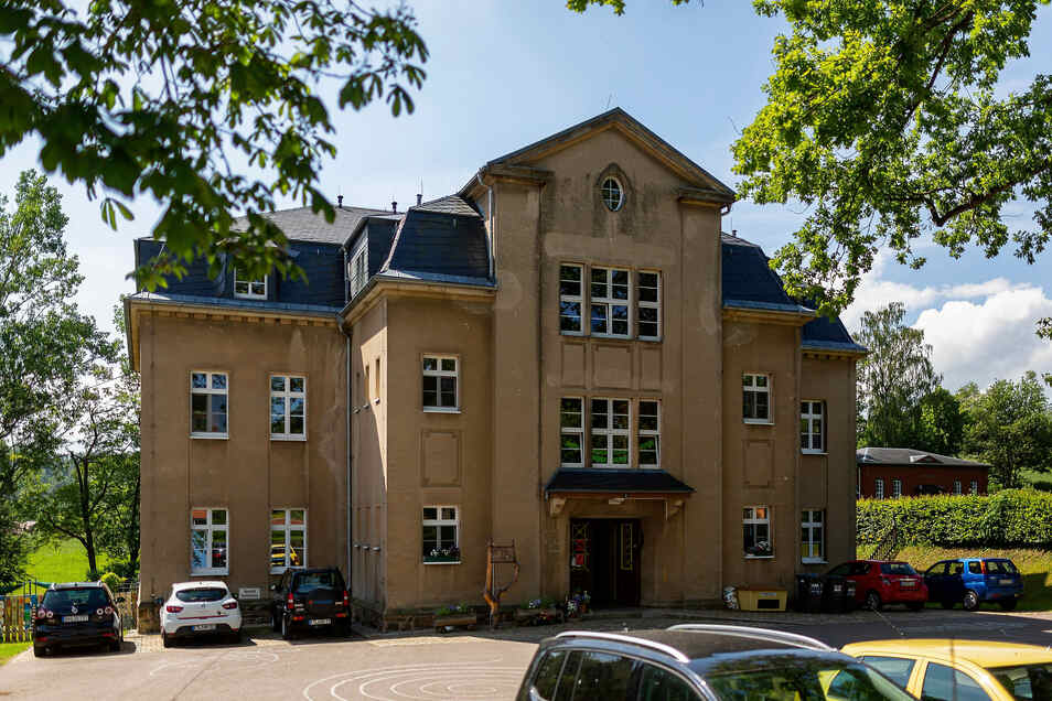 Ober- und Dachgeschoss der Kita Klingenberg bekommen im Herbst eine neue Elektroinstallation und Brandmelder.