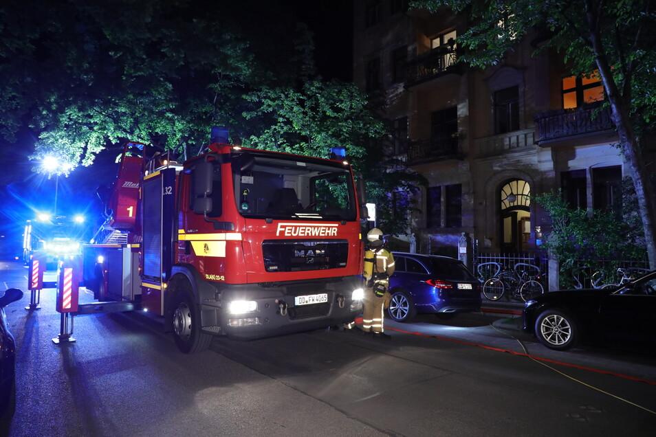 Die Feuerwehr löschte in der Nacht zum Montag ein Feuer in der Dresdner Neustadt.