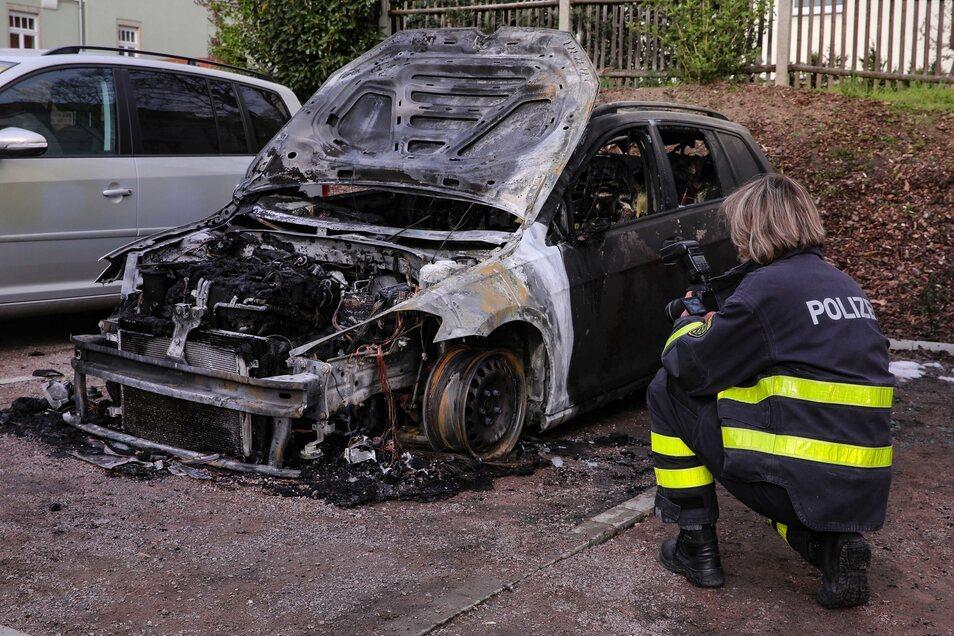 Nach dem Brand in der Nacht zum Mittwoch ermittelt nun die Kriminalpolizei.