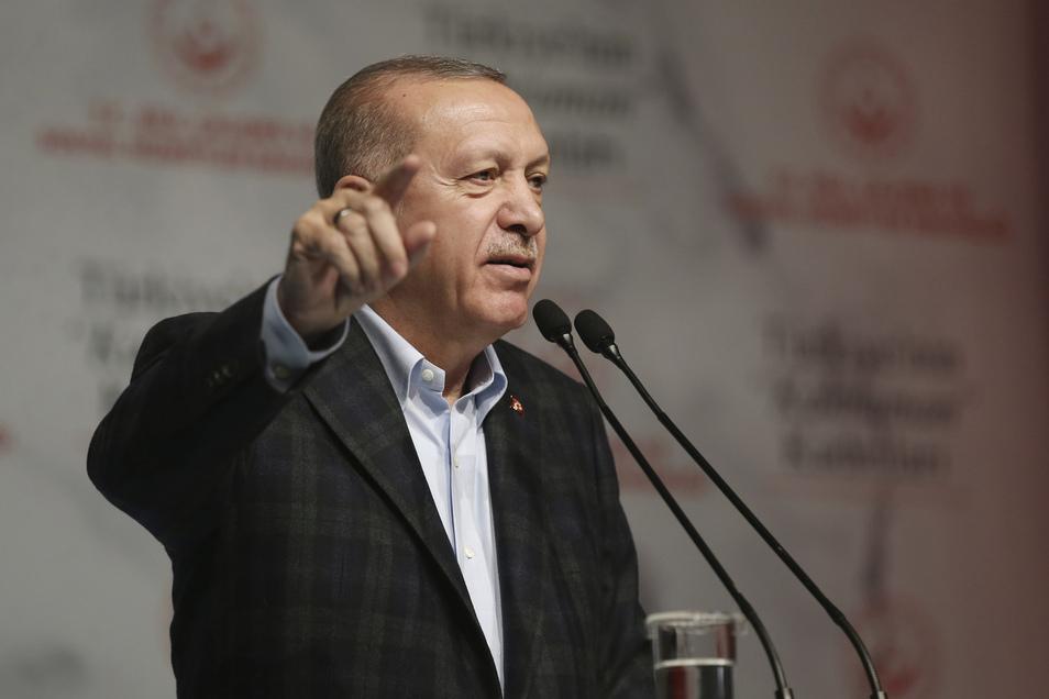 Die Türkei und Griechenland hatten am Montag verkündet, Sondierungsgespräche zur Lösung des Konflikts aufzunehmen. Erdogan hat hohe Erwartungen an das Treffen.