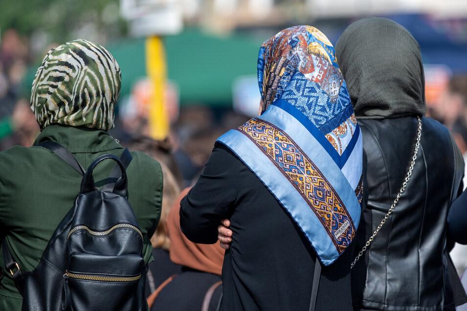 Die Ablehnung von Muslimen ist in Ostdeutschland stärker ausgeprägt als in Westdeutschland und Westeuropa.