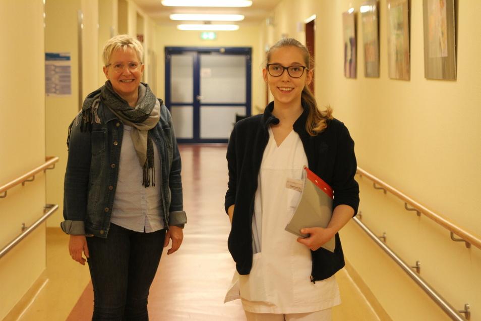 Stephanie Kogler (rechts) will als Pflegefachkraft am Fachkrankenhaus Bethanien in Hochweitzschen arbeiten. Pflegedirektorin Petra Hundrieser freut sich über den Zuwachs.