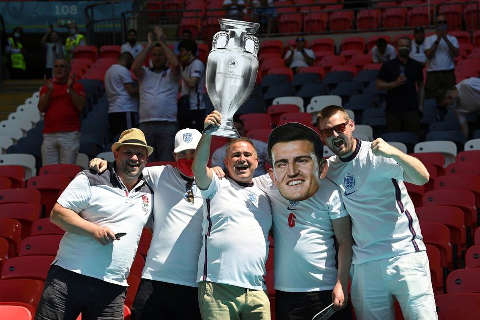 Diese England-Fans wissen es schon lange: Ihre Mannschaft holt den EM-Titel. Mathematiker kommen nun zu dem selben Ergebnis.