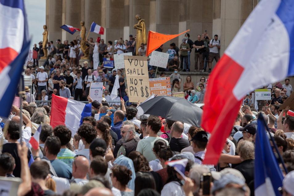 Zahlreiche Demonstranten protestierten am Wochenende gegen die Regelungen.
