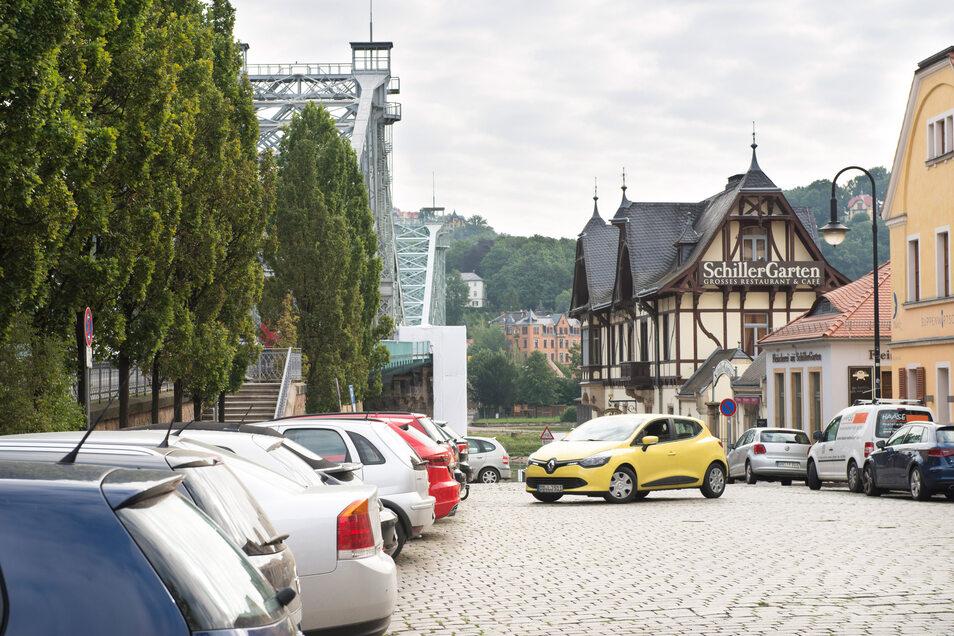 Ein Parkkonzept für den Schillerplatz lässt auf sich warten.