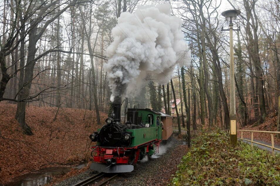 Die Probefahrt durch den Lößnitzgrund hat die generalüberholte Lok mit Bravour gemeistert.