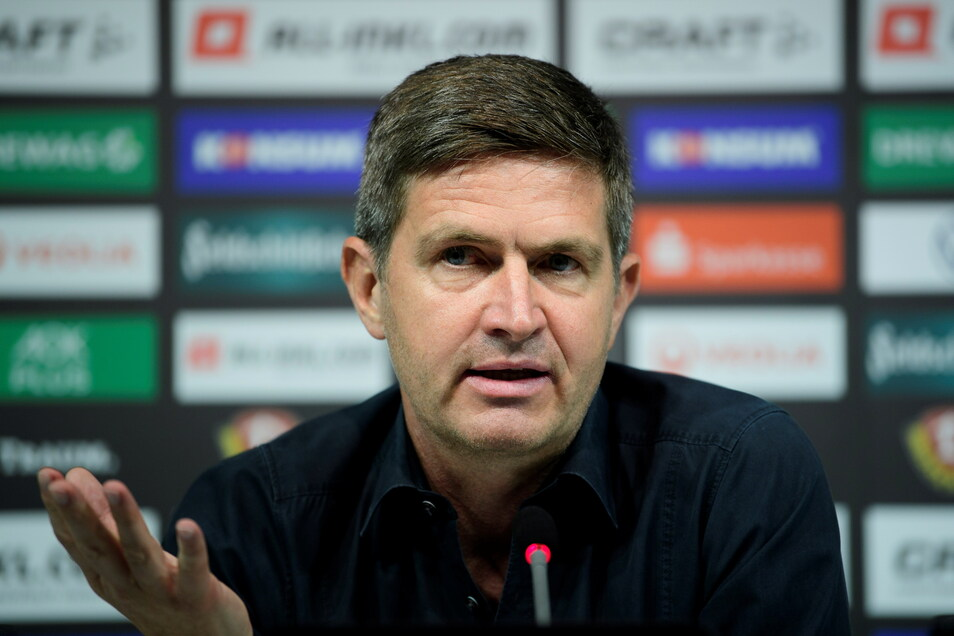 Ralf Becker, Sportgeschäftsführer bei Dynamo Dresden, kritisiert das Finanzgebaren einiger Konkurrenten in der 3. Liga.