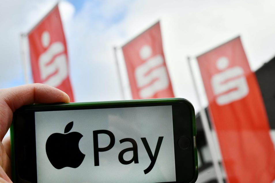Bargeldlos bezahlen: Apple Pay auch für Sparkassen-Kunden