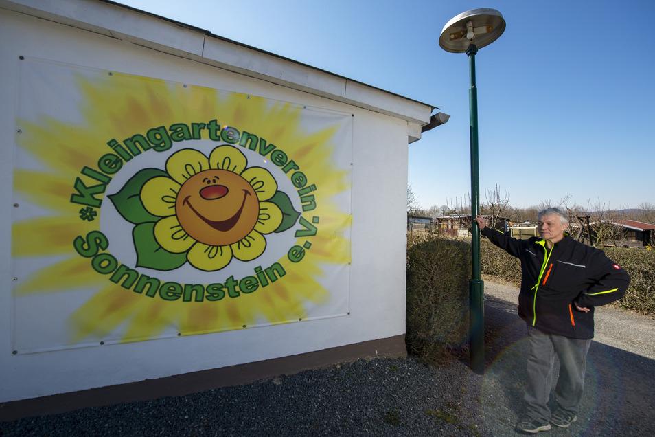 Eine Sonne gegen den Lagerkoller. Doch der gemeinsame Frühjahrsputz ist dieses Jahr tabu, bedauert Heiko Schulz, der Vorstand dieser Pirnaer Gartenanlage.