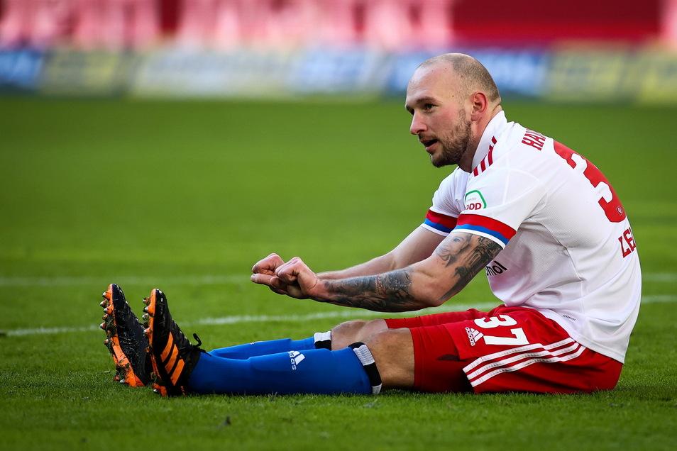 Keine Rothose mehr: Der ursprünglich bis Sommer 2022 laufende Vertrag zwischen Toni Leistner und dem Hamburger Sportverein ist nicht mehr gültig.
