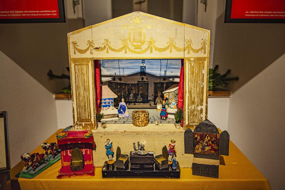 Auch um den Großenhainer Maler Kurt Globig geht es in der Adventsschau. Der baute u. a. ein Puppentheater für seine Neffen.