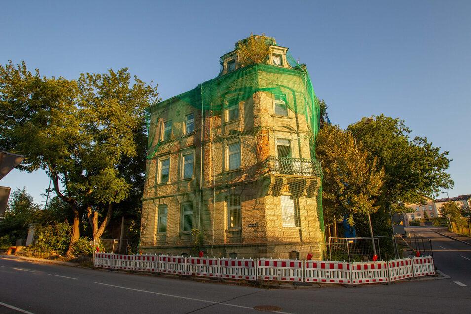 Kreuzstraße 5 in Sebnitz: Das baufällige Haus ist seit Langem ein Ärgernis. Jetzt gibt es eine Perspektive.