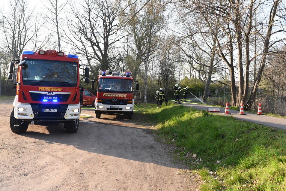 Drei Fahrzeuge und 13 Kameraden rückten am Mittwochabend an die Fichtestraße in Döbeln aus.