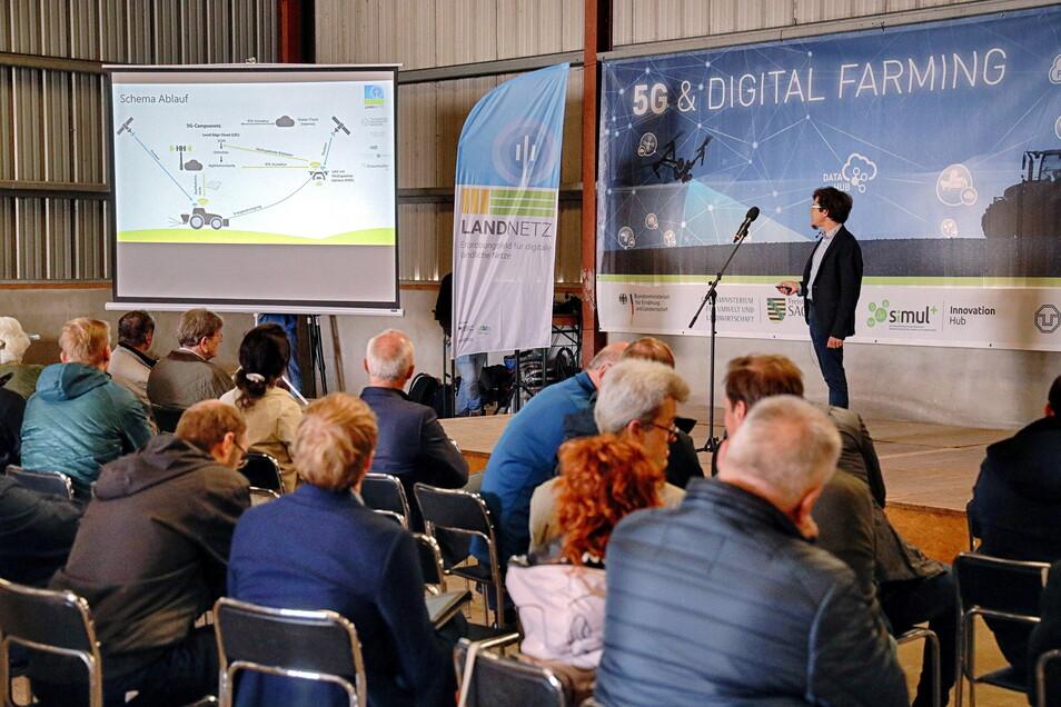 Bei Fachvorträgen ging es um die Möglichkeiten und Herausforderungen für die Landwirtschaft im Zeitalter der Digitalisierung.