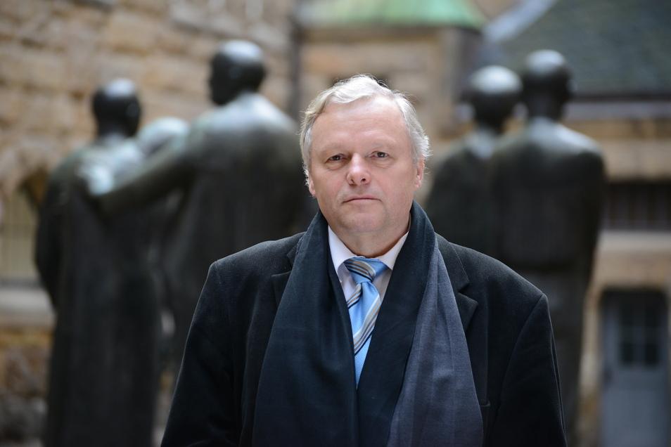Sieht Sachsens Gedenkstättenchef Siegfried Reiprich die Existenz der weißen Bevölkerung bedroht? Ein Tweet von ihm legt das nahe.