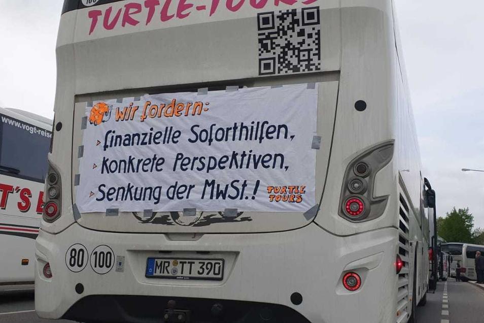 Die Forderungen sind auch auf den Bussen nachzulesen.