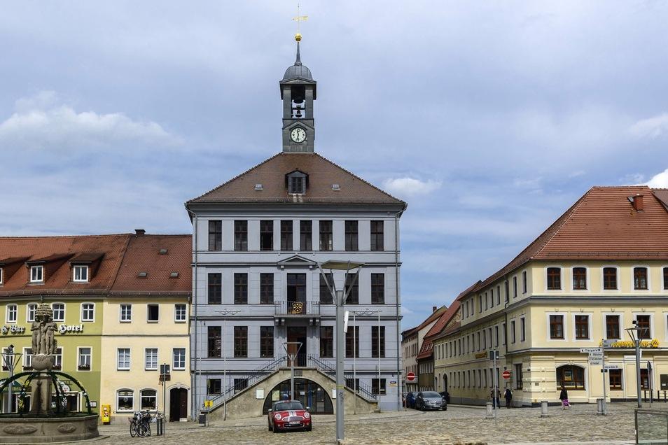 Das Rathaus in Bischofswerda. Am Eingang zum großen Saal soll die Gedenktafel einen neuen Platz finden.