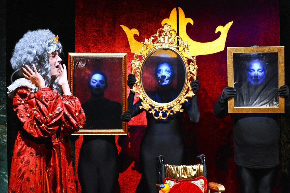 Spieglein, Spieglein an der Wand: Die Theatergruppe Spielbrett kommt nach Dorfhain.