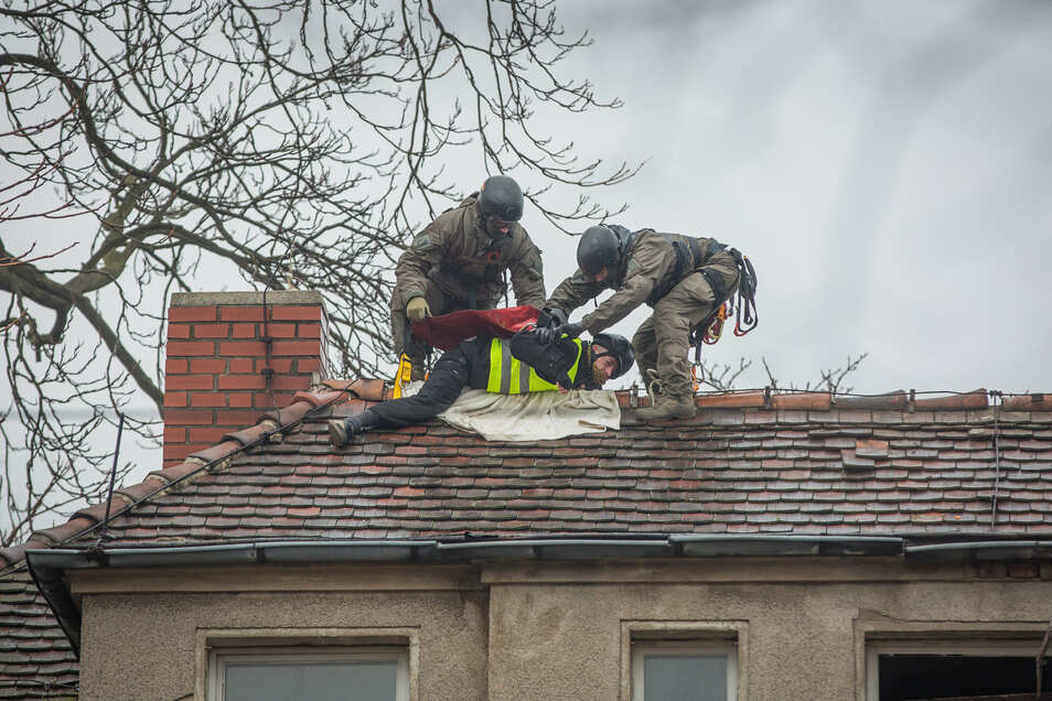Die Polizei holte mit einem Sondereinsatzkommando die Besetzer im Januar aus den Häusern und von den Dächern des Putzi-Areals.