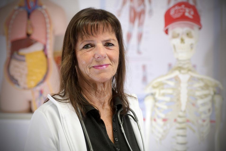 Dr. Gabriele Rösler ist Hausärztin in Ebersbach. Sie kritisiert das Bereitschaftssystem der Kassenärztlichen Vereinigung in Sachsen, an dem sich niedergelassene Ärzte auch finanziell beteiligen müssen.