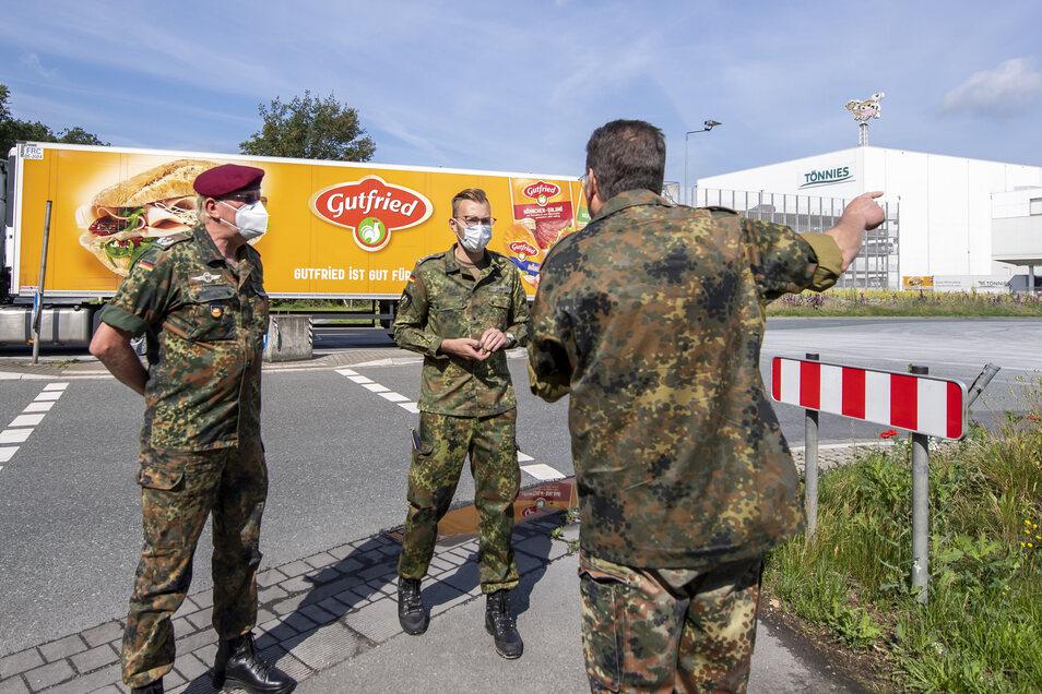 Urlauber, Fleisch, Senioren: Der Einsatz deutscher Soldaten während der Corona-Krise, hier in Rheda-Wiedenbrück, wurde 2020 immer wieder von Kommunen angefordert.