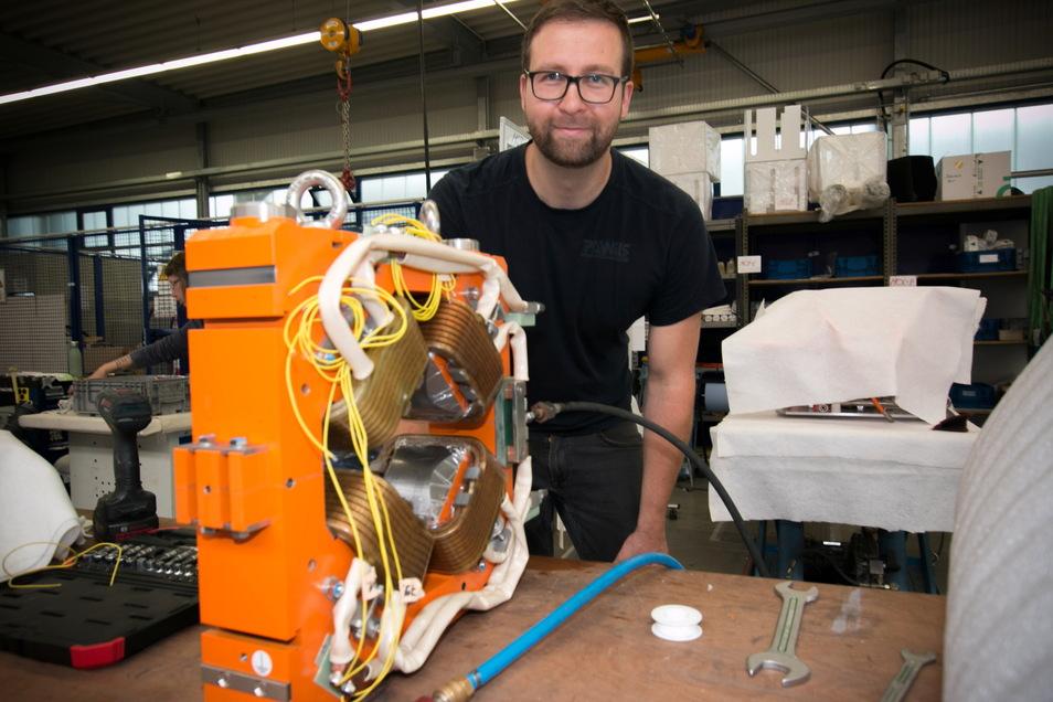 Zu den neusten Produkten gehören Elektromagnete für Teilchenbeschleuniger, an denen Kenny Schmidt arbeitet. Sie werden für Medizintechnik gebraucht.