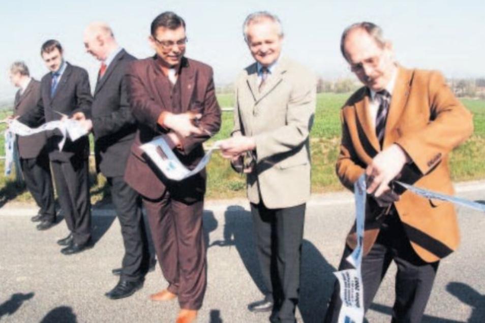 Die Bürgermeister der Städte im Dreiländereck starten den Straßenbau.