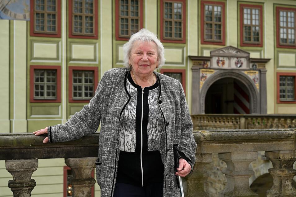 Brigitte Mumme kam 1945 als Kriegsflüchtling auf den Weesenstein. Seit fünfzig Jahren wohnt sie dort in der schönsten Wohnung des Schlosses.