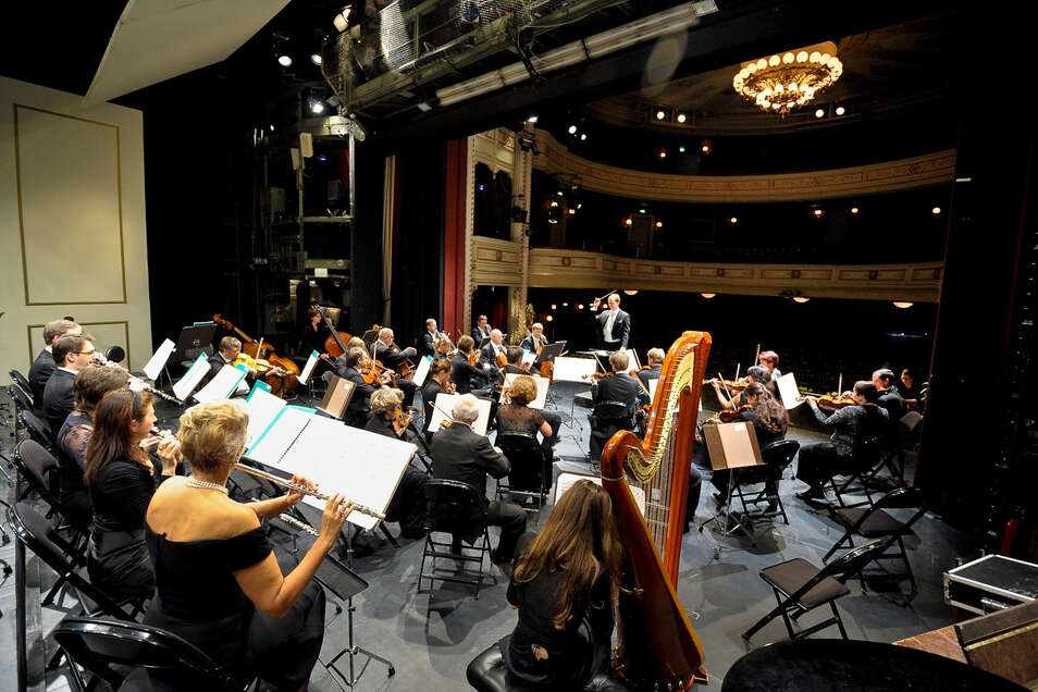 Weil die Stadthalle derzeit in Görlitz nicht zur Verfügung steht, finden viele Sinfoniekonzerte im Theater statt.