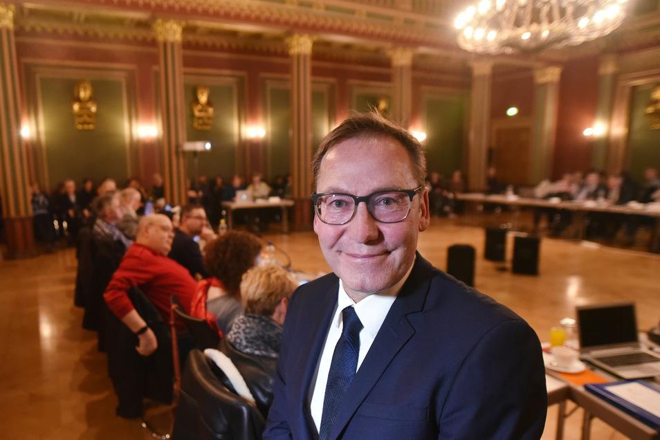 Zittaus Kurzzeit-Bürgermeister Gerald Wood am 31. Januar nach seiner Wahl im Rathaus. Inzwischen ist klar, dass die Wahl nicht rechtmäßig war.