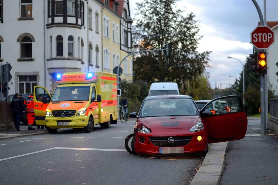 In den Unfall involviert waren ein Opel und ein Ford.