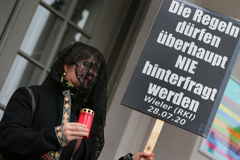 Am Wochenende wollen Tausende Menschen bei einer Demonstration in Leipzig gegen die von Bund und Ländern beschlossenen Corona-Maßnahmen protestieren