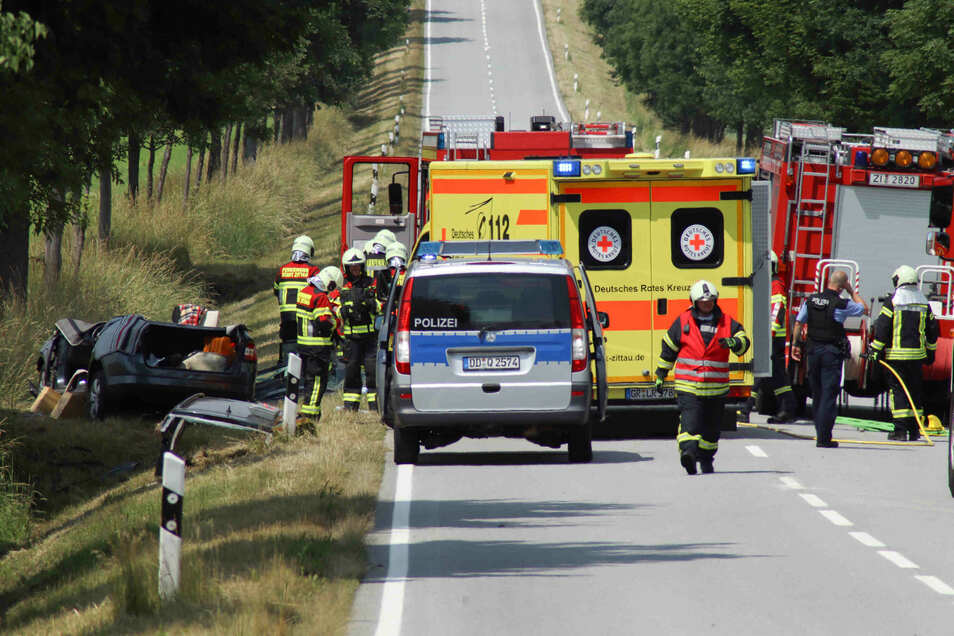 Schwerer Verkehrsunfall auf der B 99 bei Schlegel.
