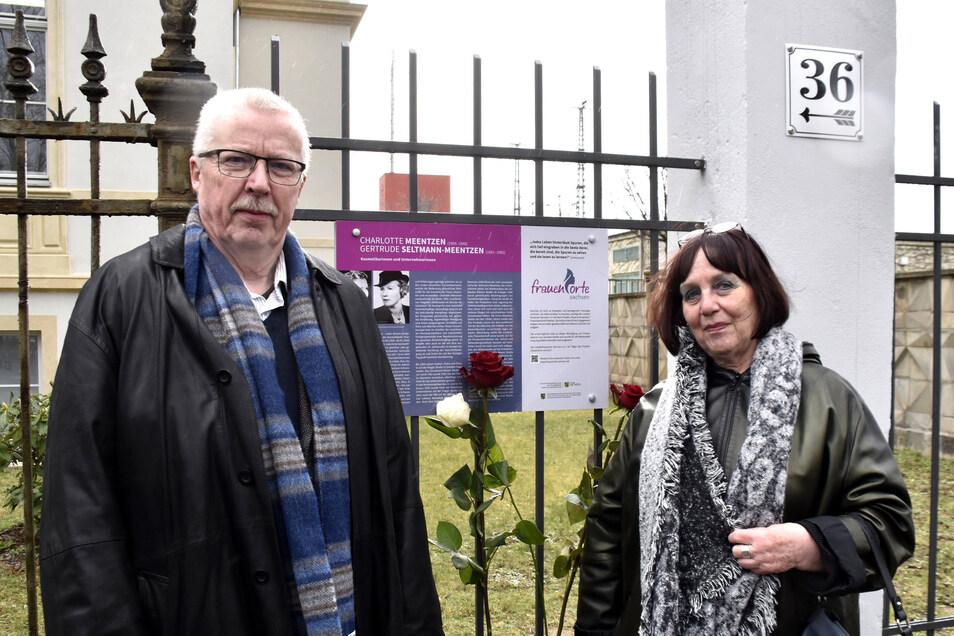Renate Schönfuß-Krause und Klaus Schönfuss aus Radeberg waren bei der Enthüllung der Gedenktafel an der Wiener Straße in Dresden dabei. Sie haben sich mit dem Leben der Unternehmerinnen beschäftigt.