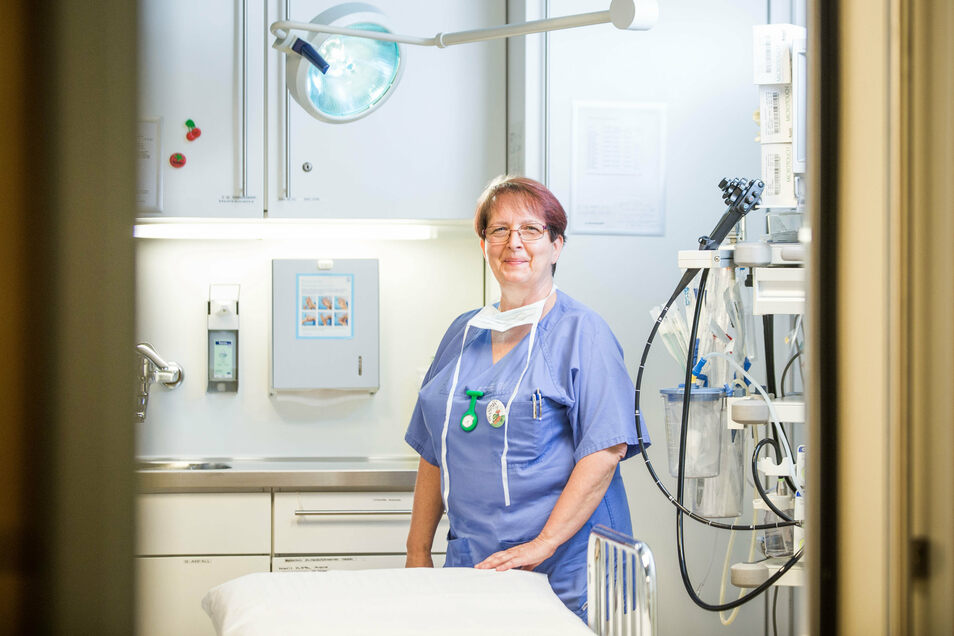Anfang Juni hatte Birgit Knoll 45-jähriges Dienstjubiläum als Kinderkrankenschwester am Dresdner Uniklinikum. In der endoskopischen Abteilung hat sie viel erlebt und kann gar nicht genug an die Umsicht junger Mütter und Väter appellieren.