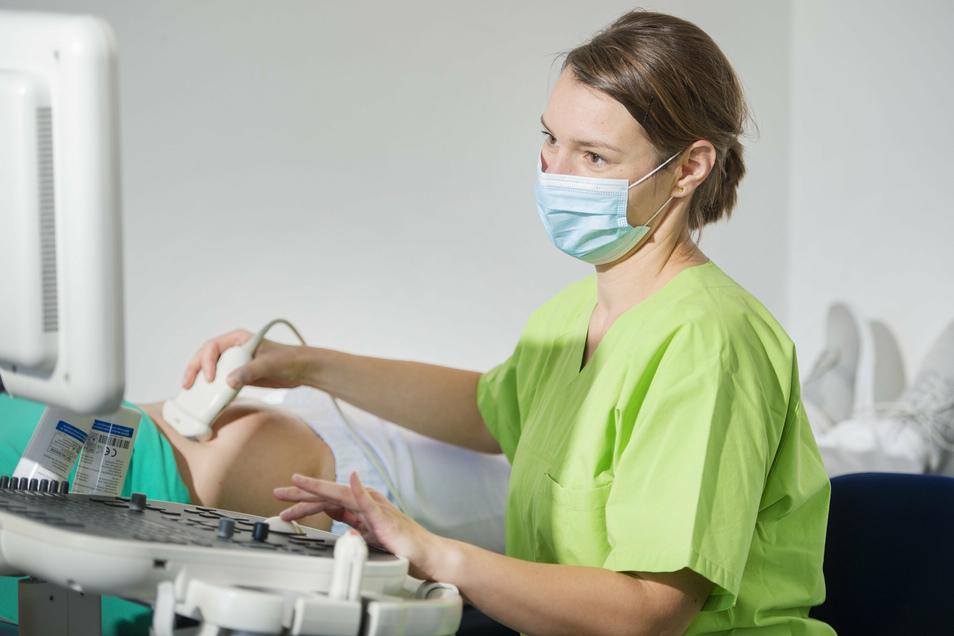 Dr. Franziska George steht mit vielen Leistungen zur Verfügung: Die Internistin bietet eine breite Palette von Untersuchungen an und darüber hinaus die hausärztliche Versorgung.