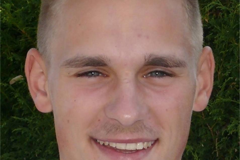 Nummer 8, Eric Träger (20), Abwehr, Deutschland