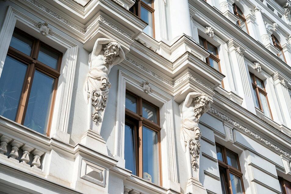 Fassade am Doppelhaus Berliner Straße 48/49 in Görlitz.