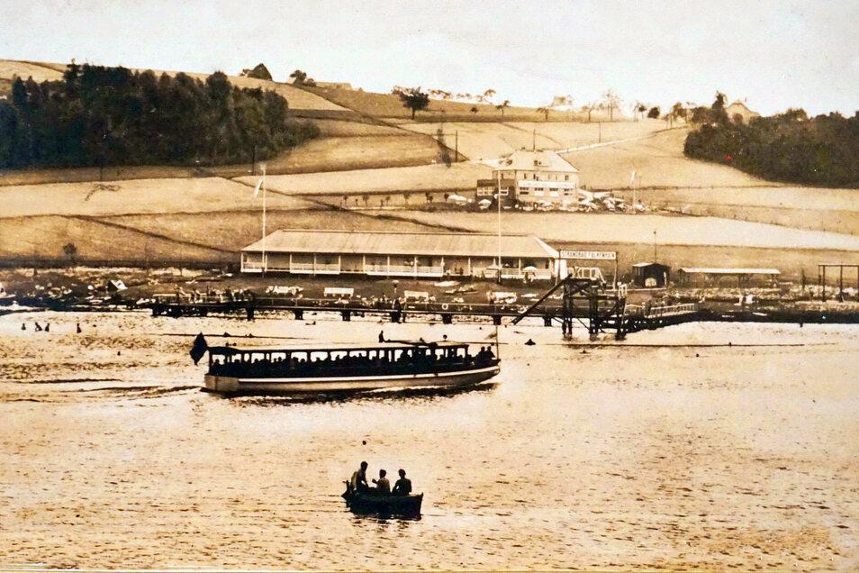 An der Stelle des in den 30-er jahren eröffneten Strandbades Falkenhain befindet sich heute die Jugendherberge.