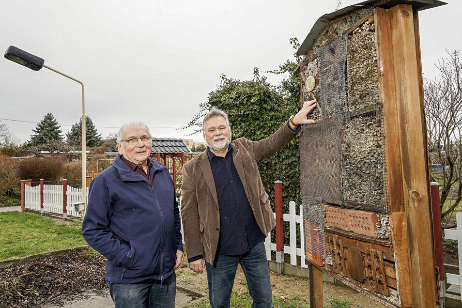 Norbert Pietsch (links) von der Gartenanlage Erholung Ost und Reinhard Kliemann, Chef des Territorialverbandes der Kleingärtner, wollen, dass Bautzen mehr fürs Grün in der Stadt tut.