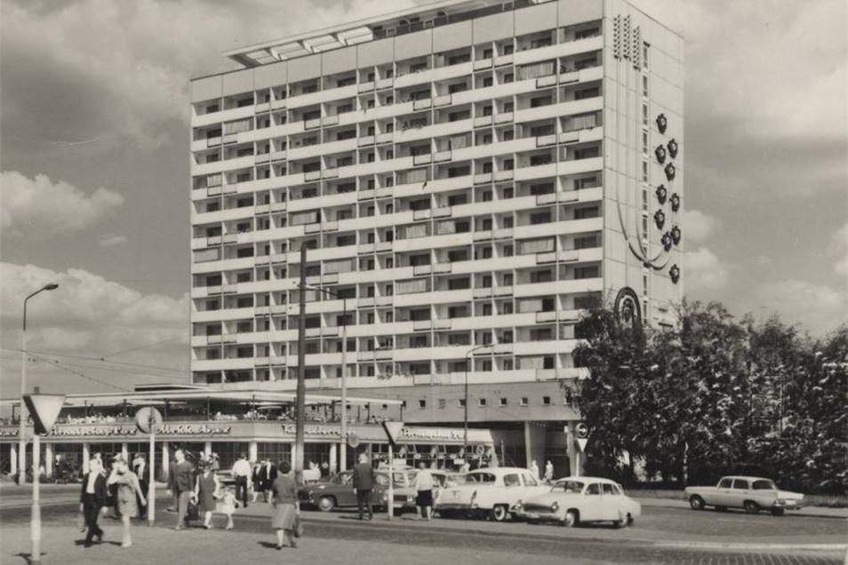 Das Hochhaus kurz nach der Eröffnung 1968.