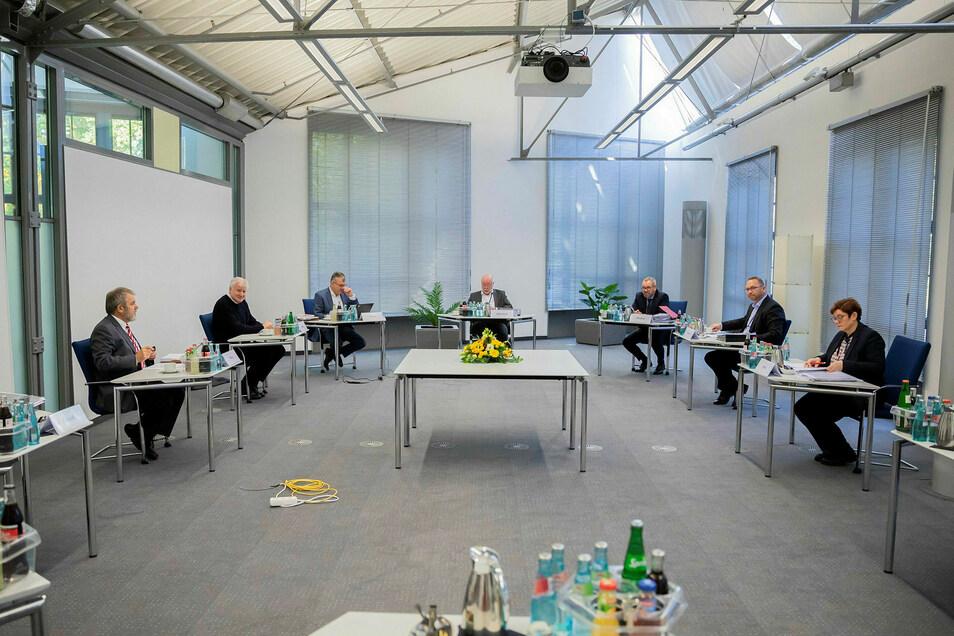 Bei den Verhandlungen in Potsdam gab es nicht nur Corona-bedingt weit entfernte Positionen.
